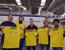 Camisa verde e amarela vira uniforme durante os jogos da Copa na Fabribam