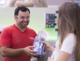 Colaboradores receberam chocolates na Páscoa
